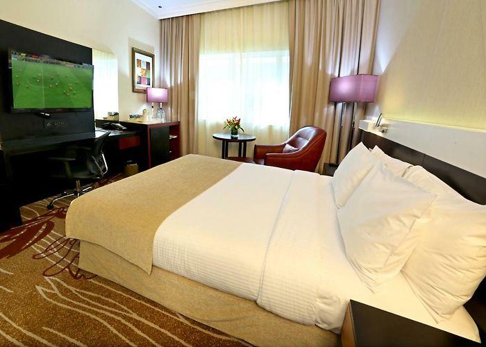 Holiday inn downtown dubai 4 оаэ дубай гражданство через инвестицию в недвижимость